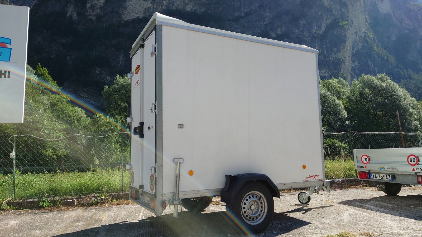Rimorchio furgonato 250x230